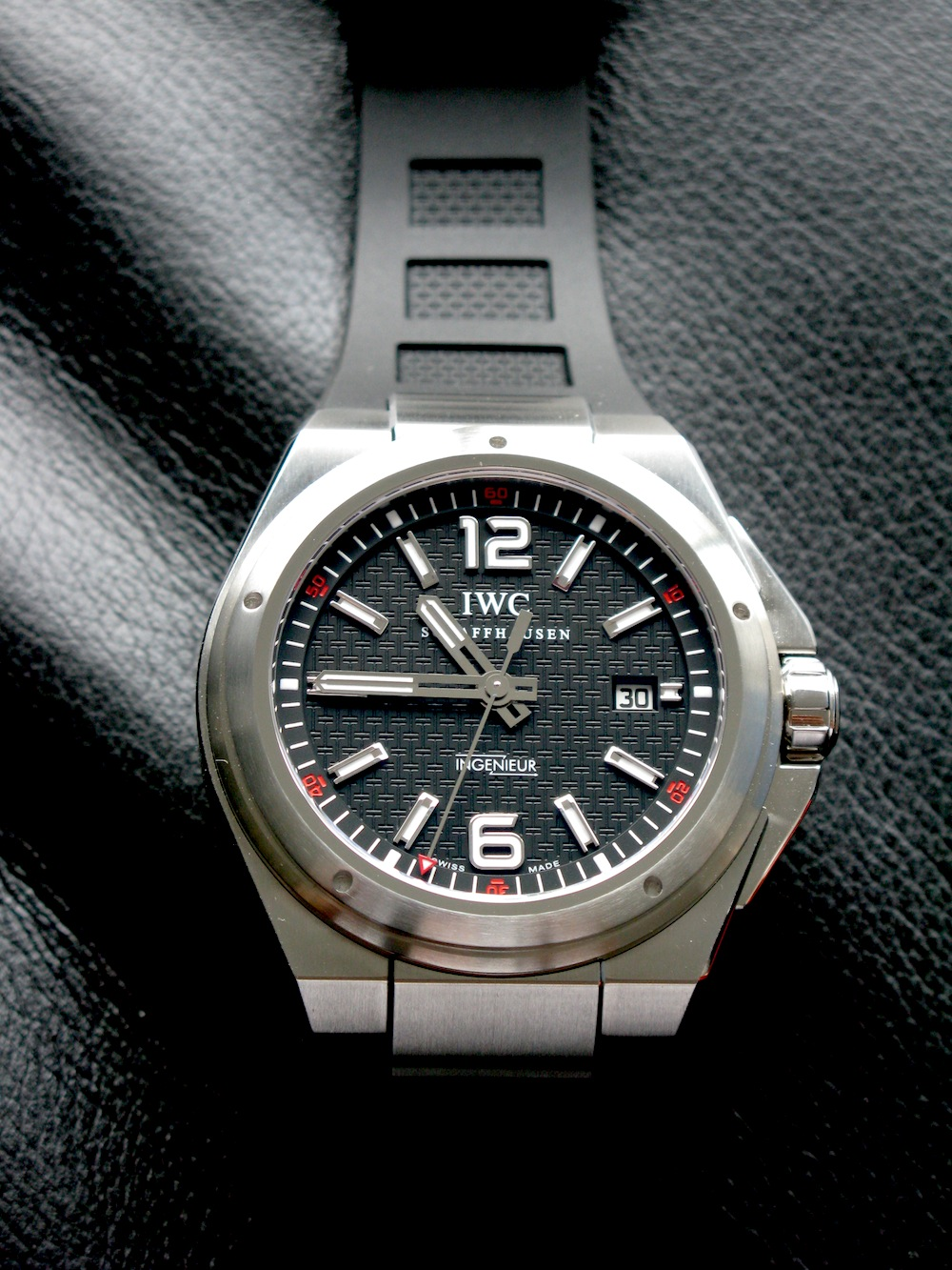 Macros: IWC Ingenieur Mission Earth. Beautiful and Sporty ...