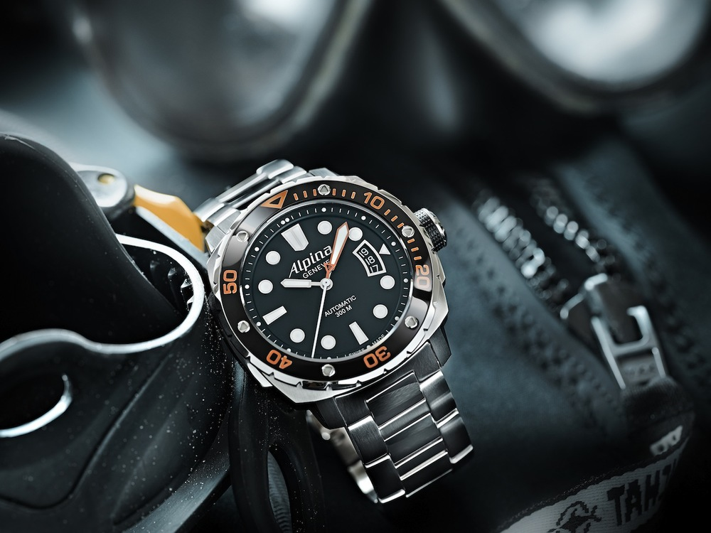 Alpina_Extreme_Diver_300_Orange_AL-525LBO4V26B copy.jpg
