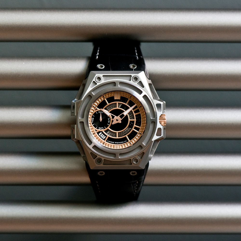 LINDE_WERDELIN_SpidoLite_II_Titanium_Gold_USlimited_on_bar.jpg