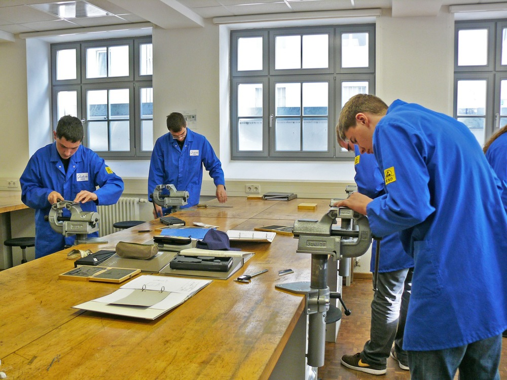 Toolmaker_apprentices_on_their_first_day_at_school_1_Original_8650.jpg