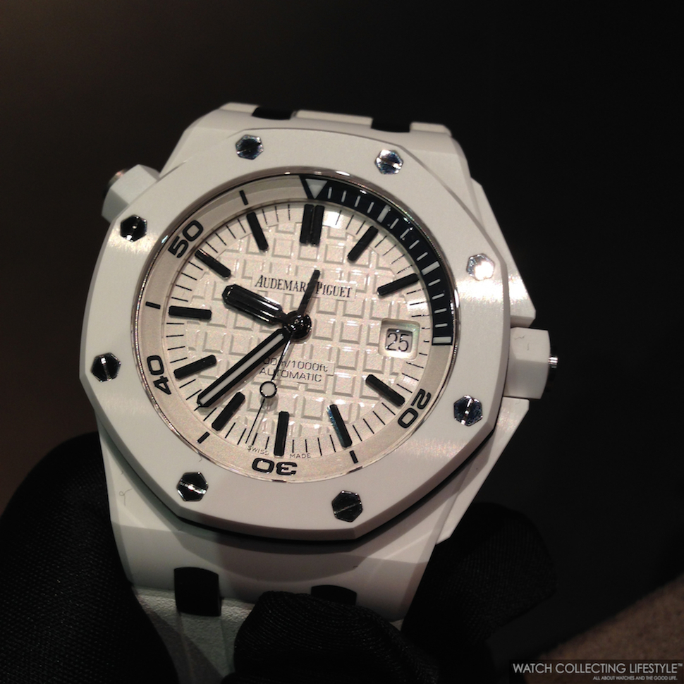 Sihh 2014 audemars piguet royal oak offshore diver white ceramic ref 15707cb live pictures for Royal oak offshore ceramic
