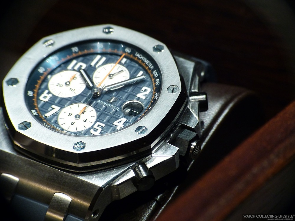 Sihh 2014 audemars piguet royal oak offshore new safari and new navy live pictures and pricing for Royal oak offshore navy
