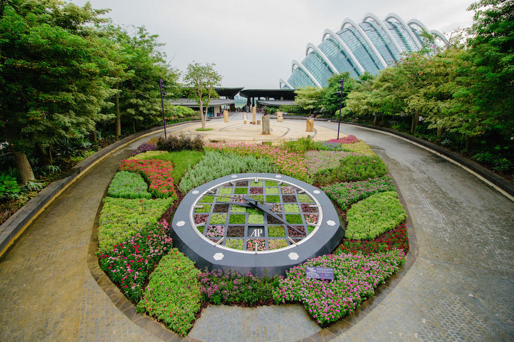 Experience The Audemars Piguet Floral Clock At Singapore S Gardens