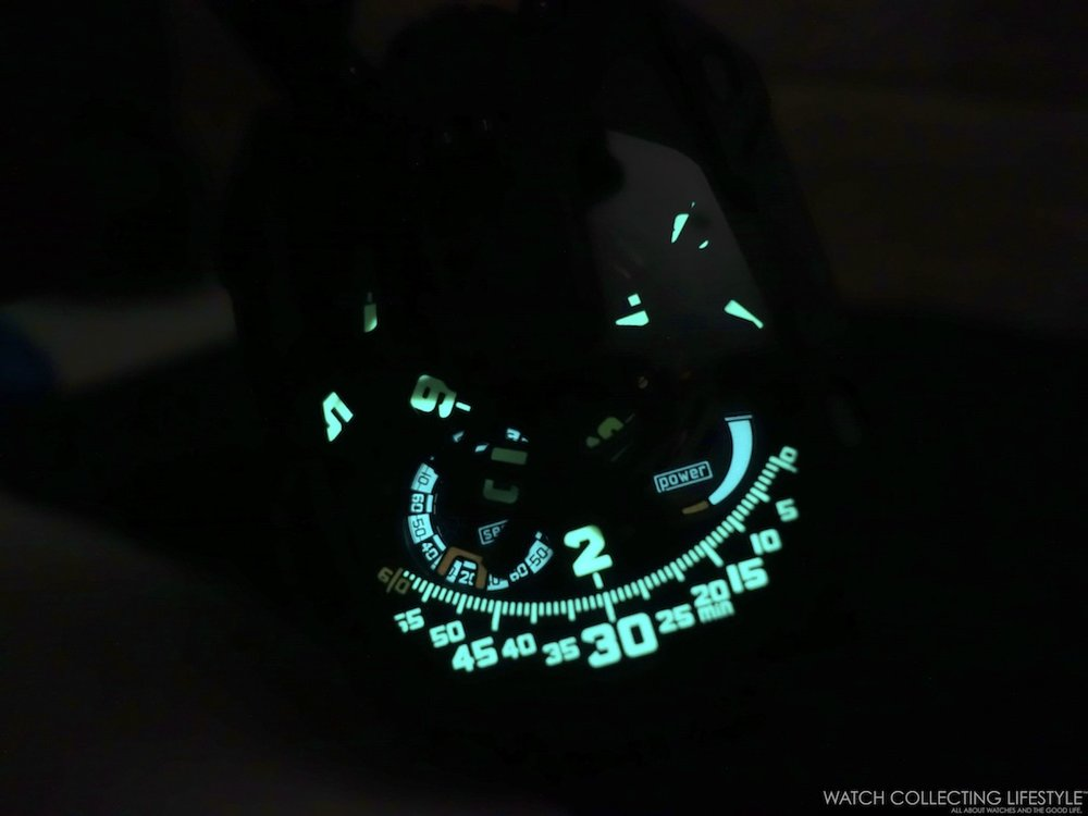 Urwerk UR-105 CT Streamliner Luminova