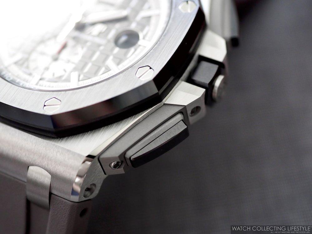 Audemars Piguet Royal Oak Offshore Chronograph 44 Titanium ref. 26400IO Pushers