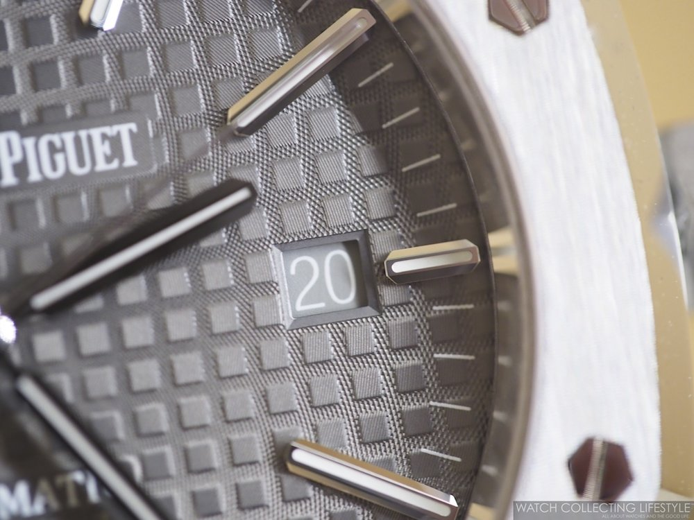 Dial Detail on Royal Oak ref. 15400 Ruthenium