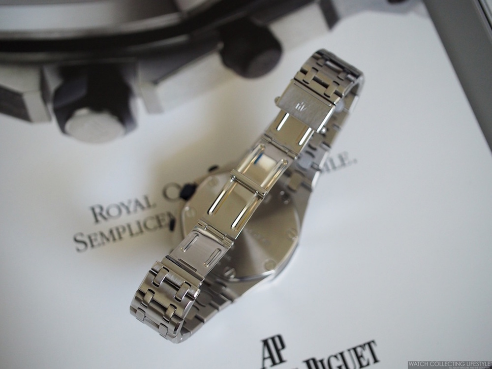 Blade-type Clasp on Audemars Piguet Royal Oak Offshore 'The Beast' ref. 25721ST D-Series