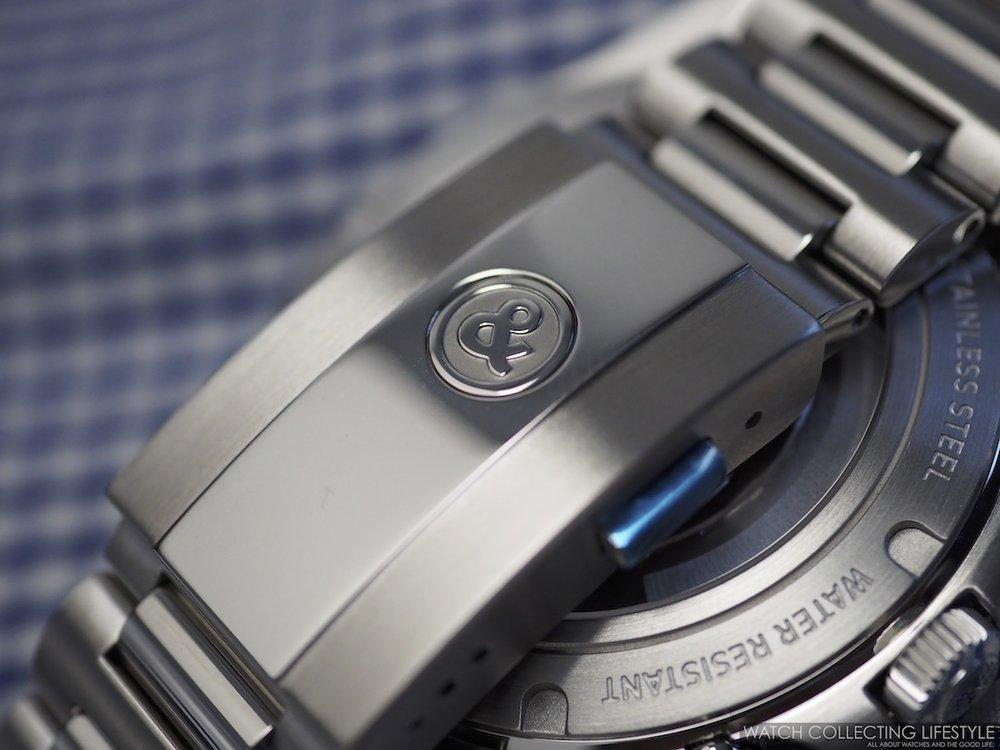 Bell & Ross BR V2-94 Military Beige Chronograph Bracelet2