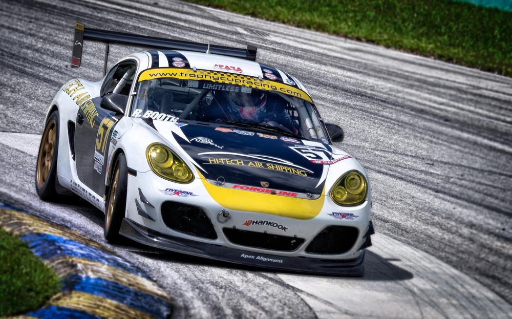 Corner Porsche