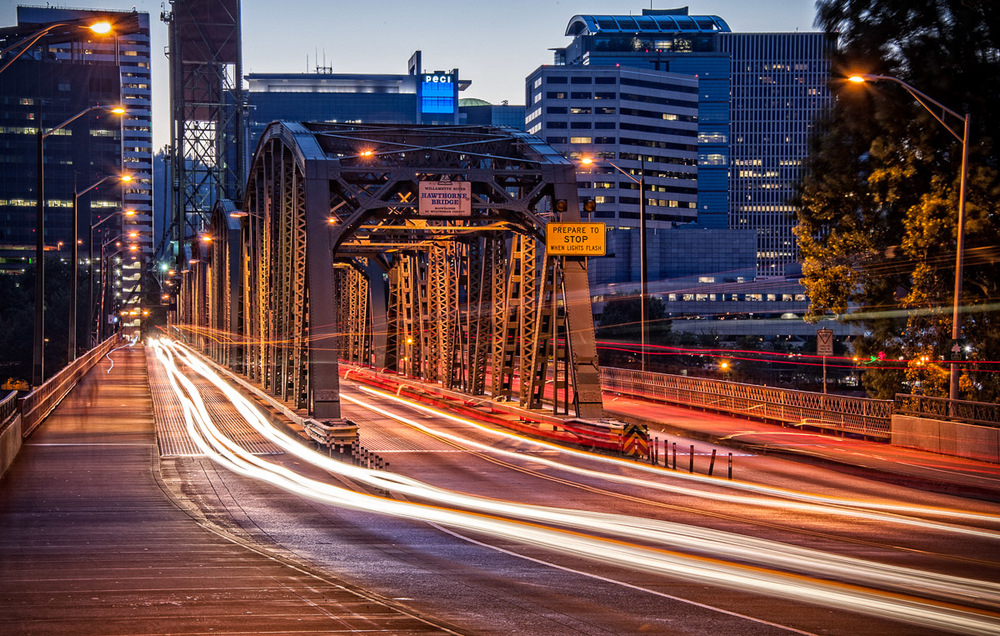 Sunset traffic over the Hawthorne Bridge