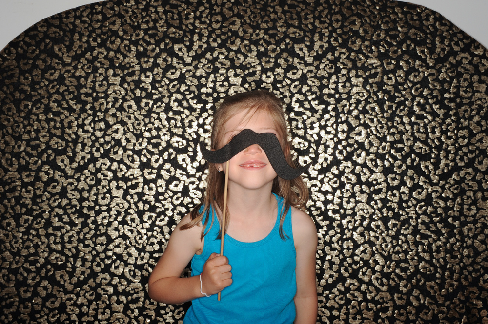 fun-kid-photobooth-the-photobus-overland-park