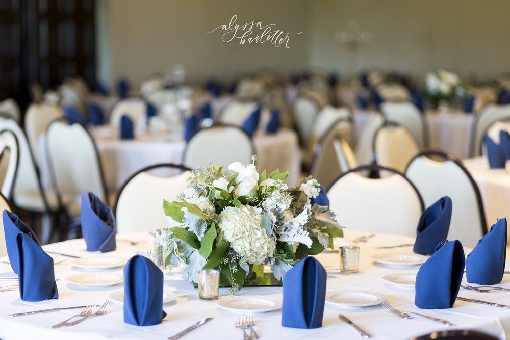 kansas city wedding photography centerpiece table reception navy lake quivira country club