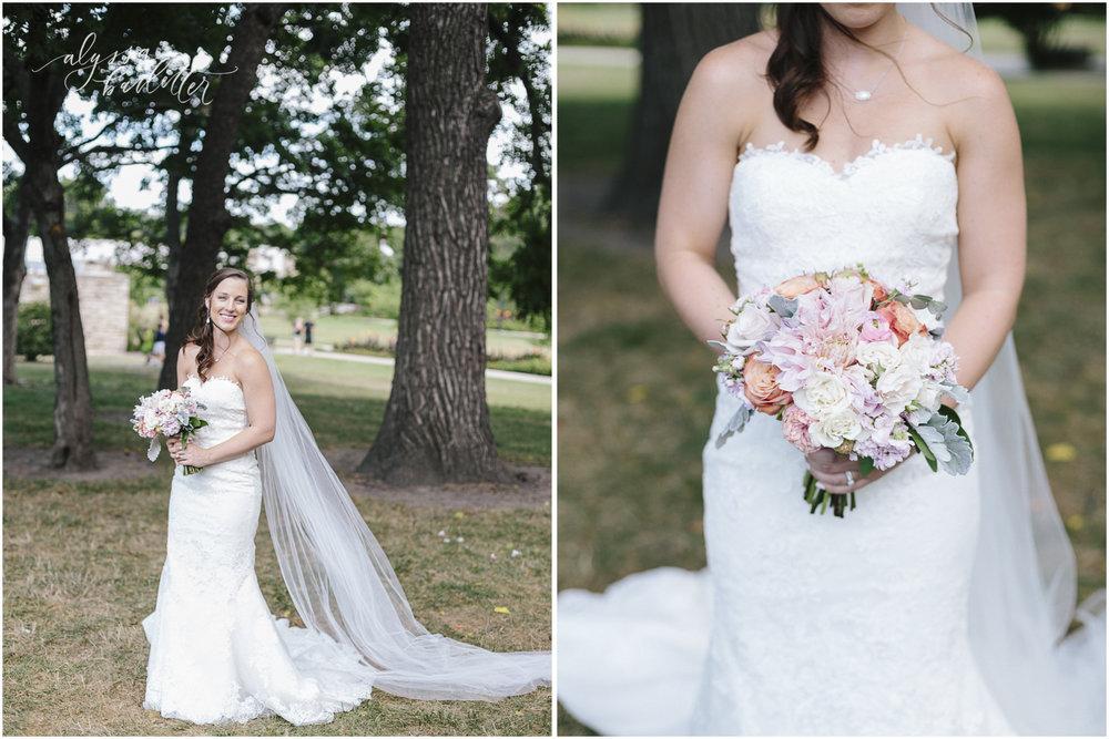 kansas city wedding photography loose park bride bouquet bridal portraits