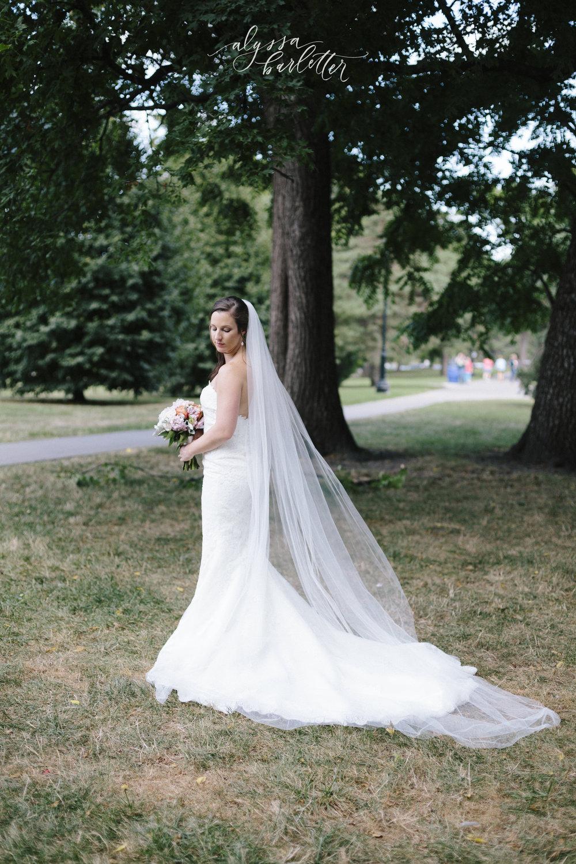 kansas city wedding photography loose park bride bridal portrait