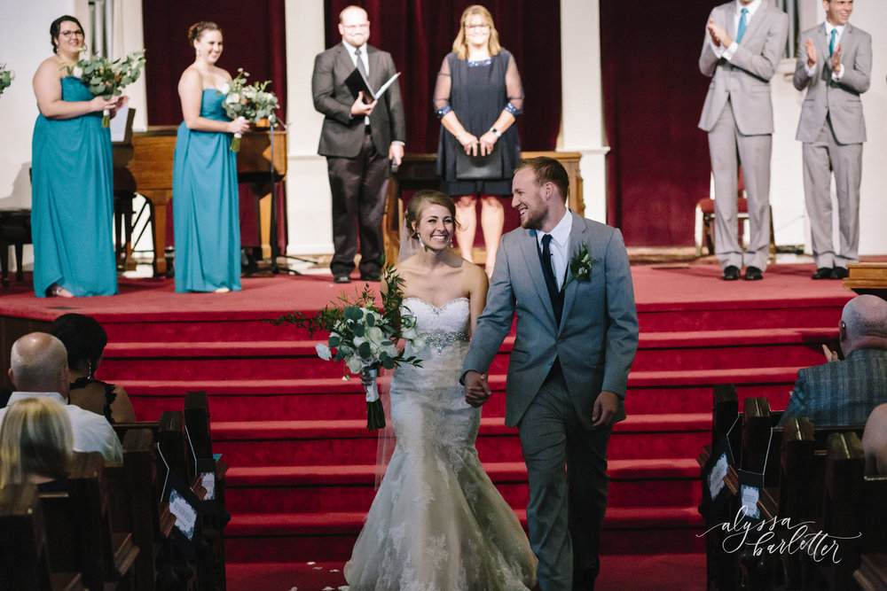 kansas city wedding photographer redeemer church midtown ceremony