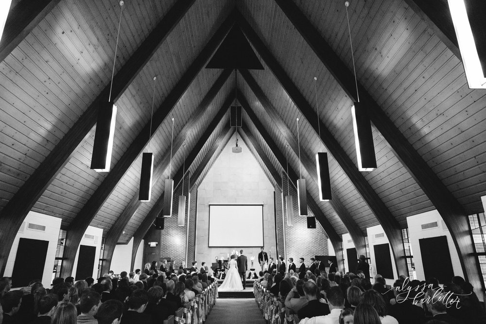 kansas city missouri wedding photographer church ceremony prairie village