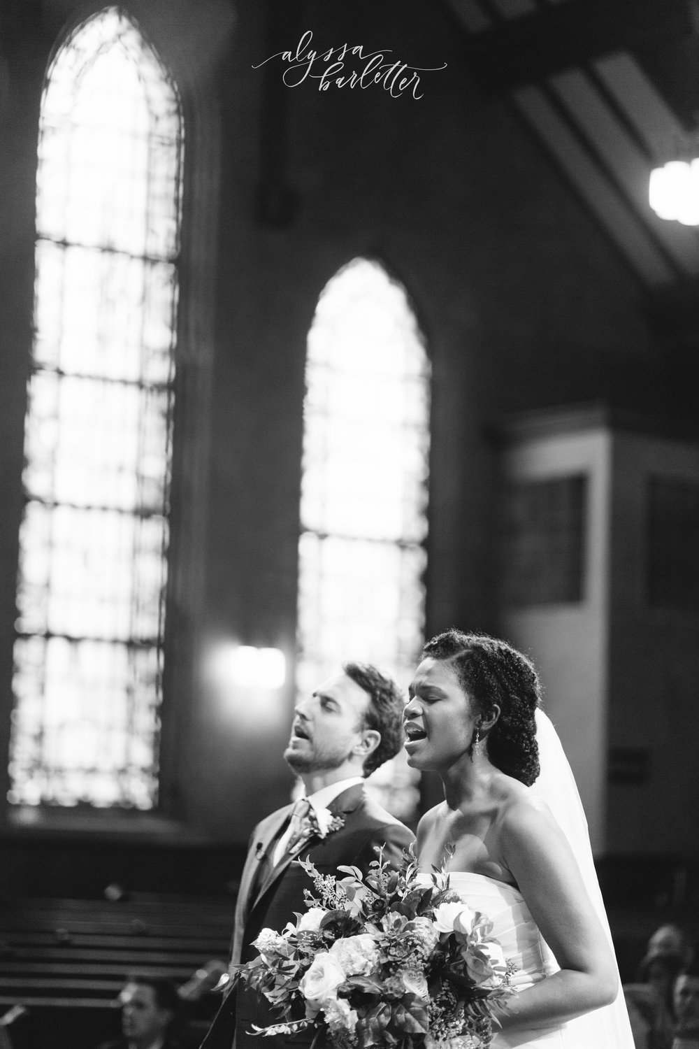 kansas city missouri wedding photographer christ community church bookside ceremony worship
