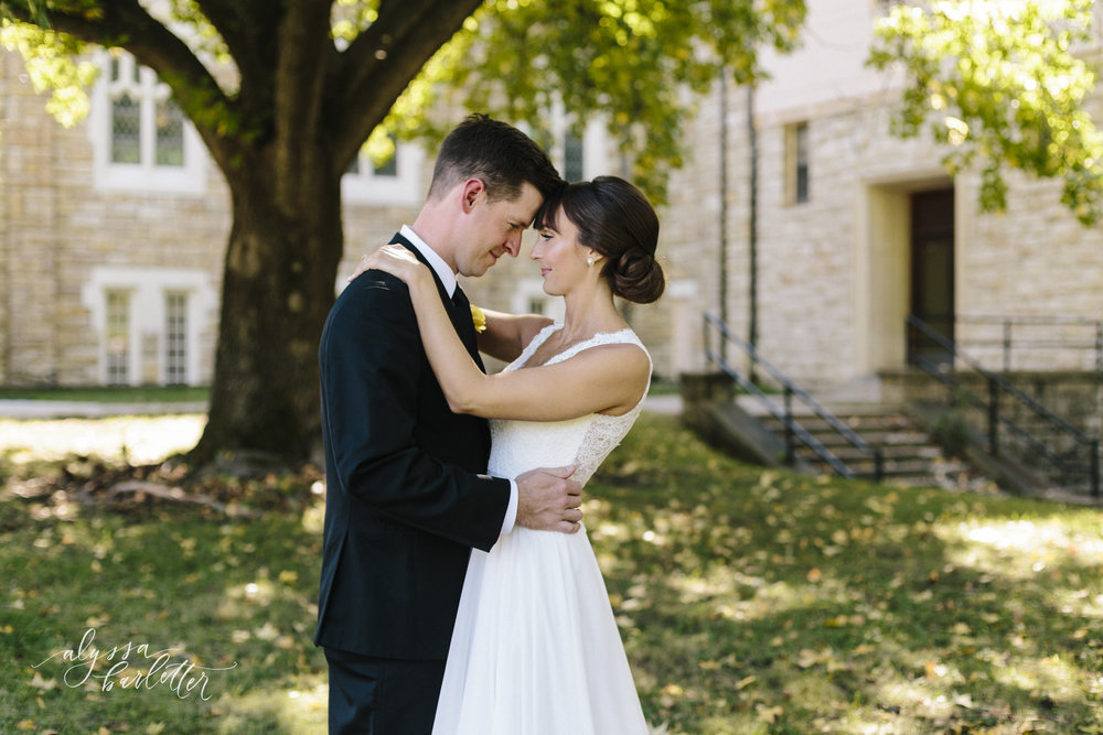 alyssa barletter wedding photography traditional downtown kansas city-27-7.jpg
