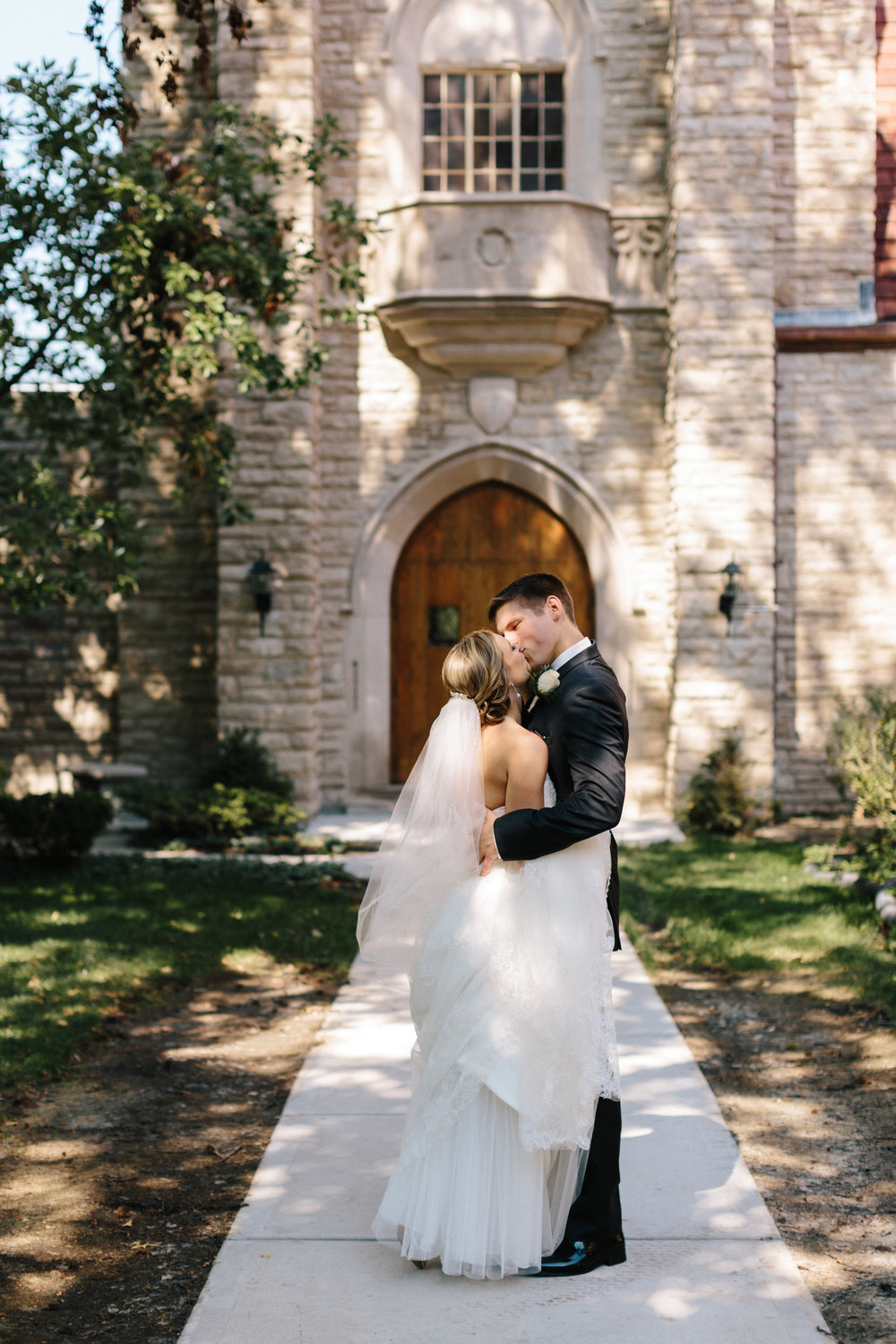 alyssa barletter photography kansas city wedding photographer katie and kendall-14.jpg