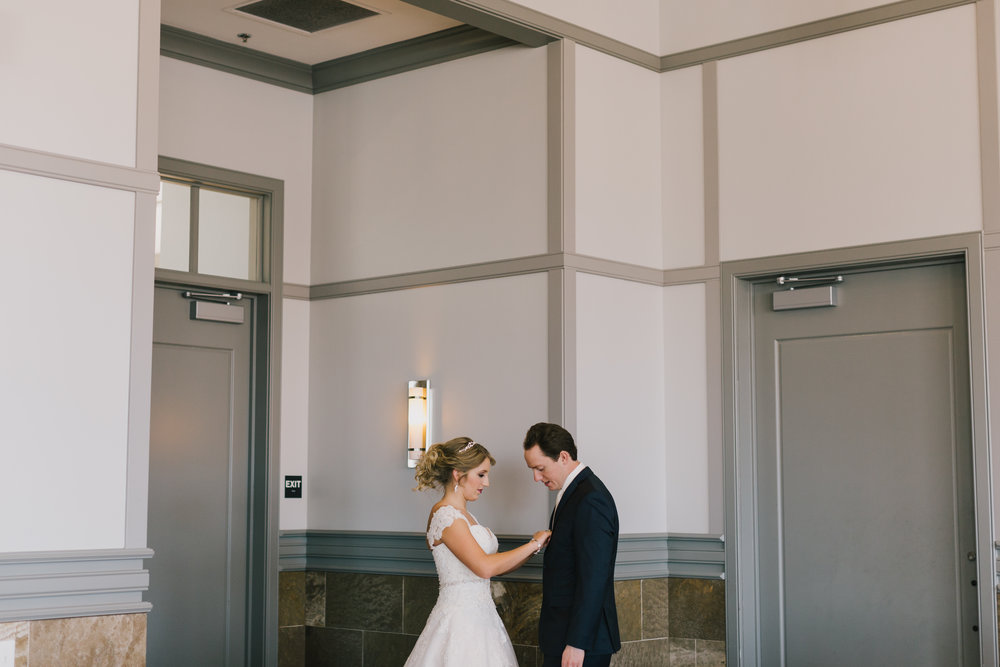 alyssa barletter photography omaha nebraska wedding photographer winter-12.jpg