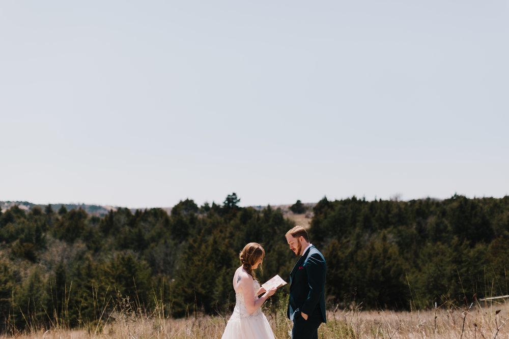 alyssa barletter photography manhattan kansas spring wedding liquid art winery-15.jpg