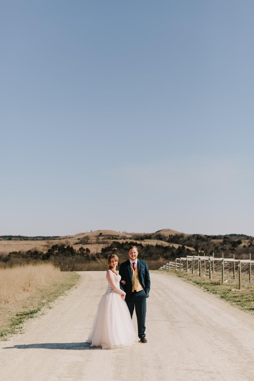 alyssa barletter photography manhattan kansas spring wedding liquid art winery-34.jpg