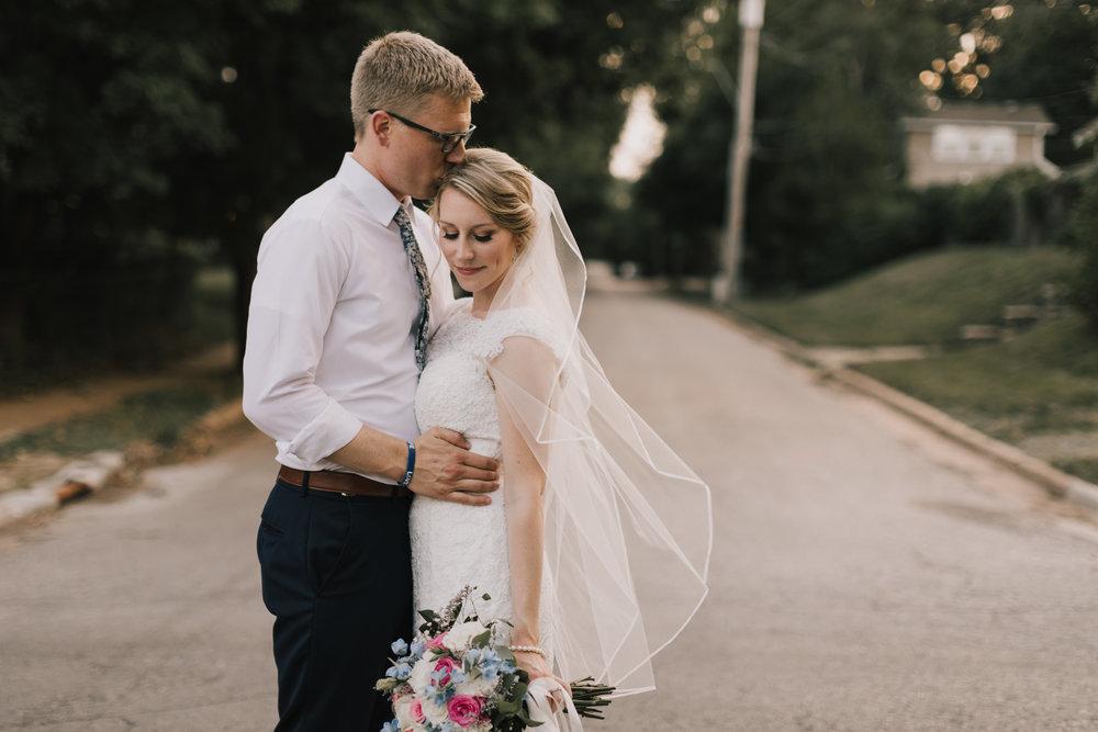 alyssa barletter photography classic kansas city summer wedding photographer dustin and erica king-57.jpg