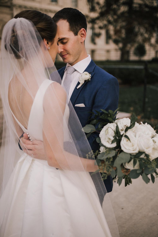 alyssa barletter photography indiana statehouse summer wedding indianapolis photographer willis-38.jpg