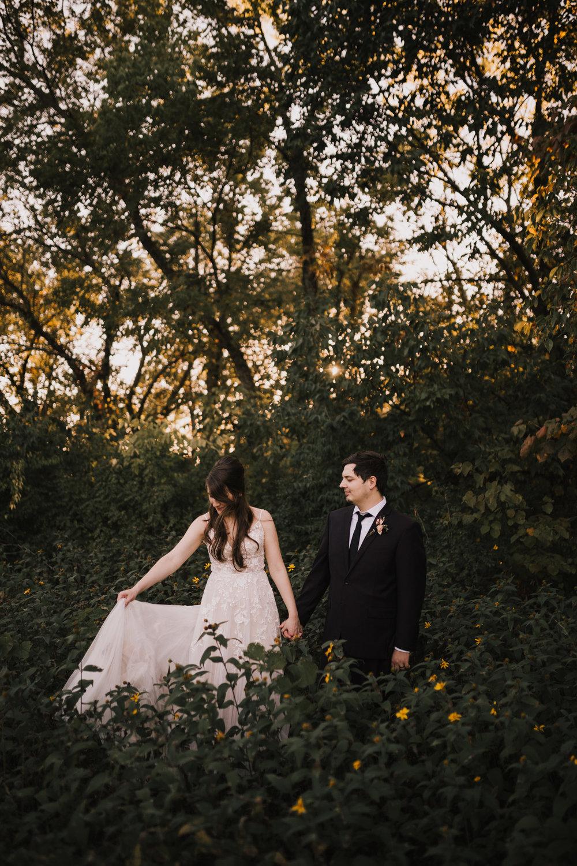 alyssa barletter photography kansas elopement indian summer early autumn intimate wedding-11.jpg