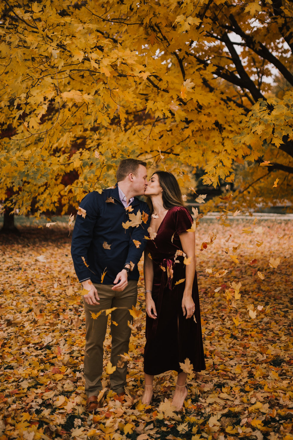 alyssa barletter photography loose park fall engagement photos autumn wedding photography-7.jpg