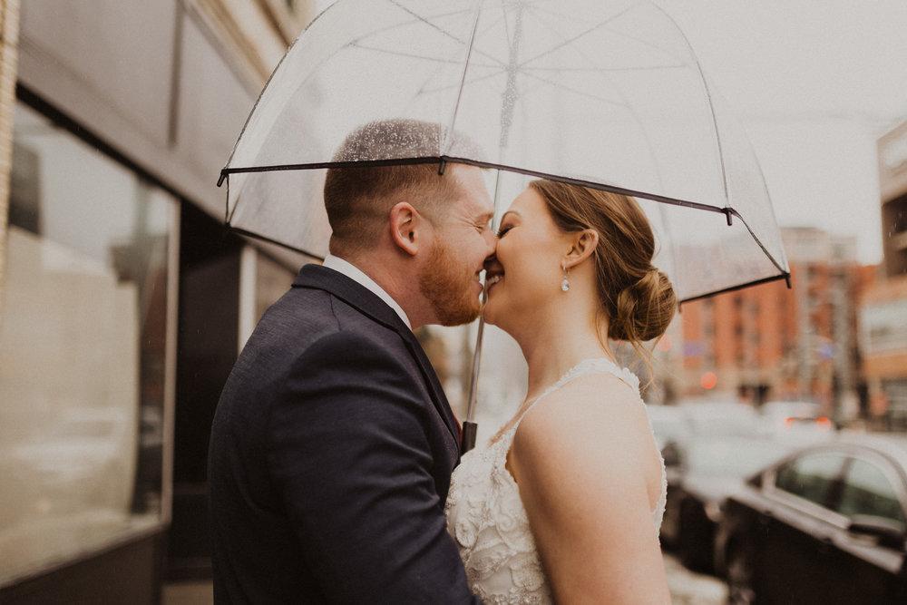 alyssa barletter photography 2016 main kansas city wedding rainy day photographer grace and justin magott-28.jpg