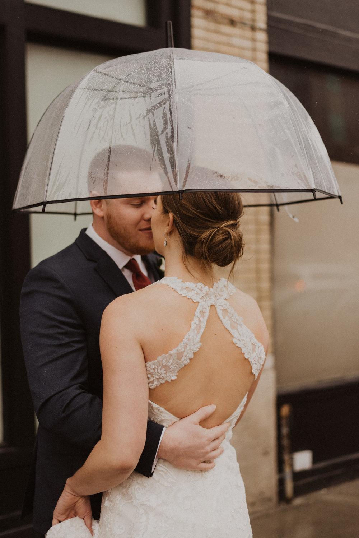 alyssa barletter photography 2016 main kansas city wedding rainy day photographer grace and justin magott-30.jpg
