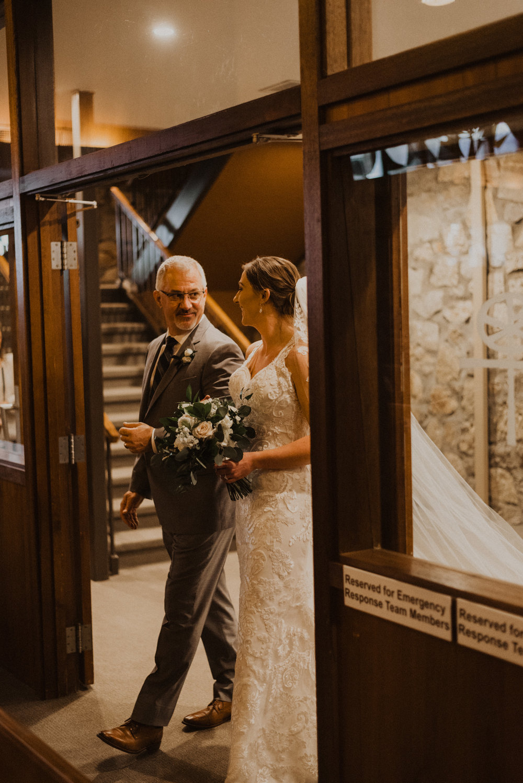 alyssa barletter photography 2016 main kansas city wedding rainy day photographer grace and justin magott-35.jpg