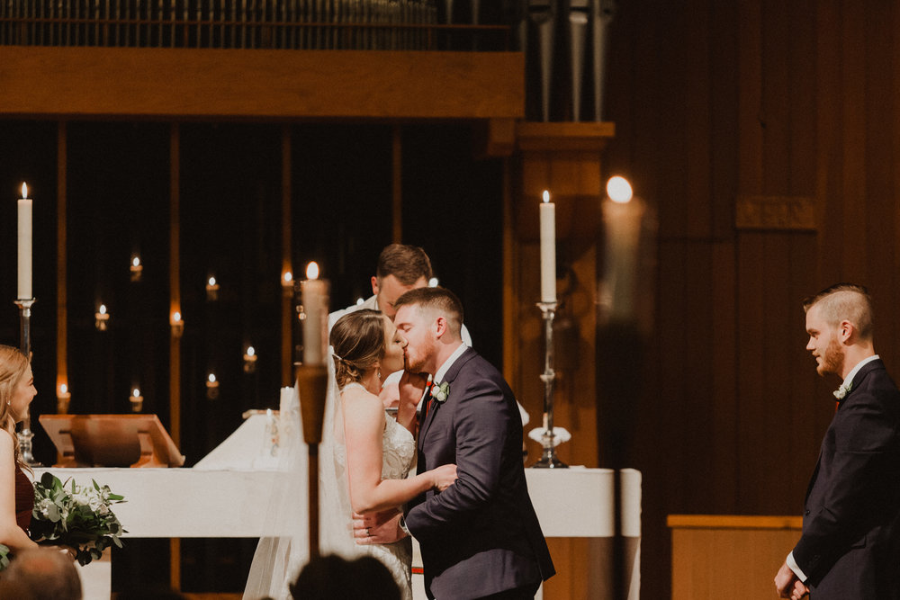alyssa barletter photography 2016 main kansas city wedding rainy day photographer grace and justin magott-42.jpg