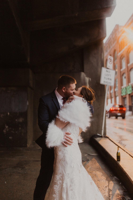 alyssa barletter photography 2016 main kansas city wedding rainy day photographer grace and justin magott-56.jpg