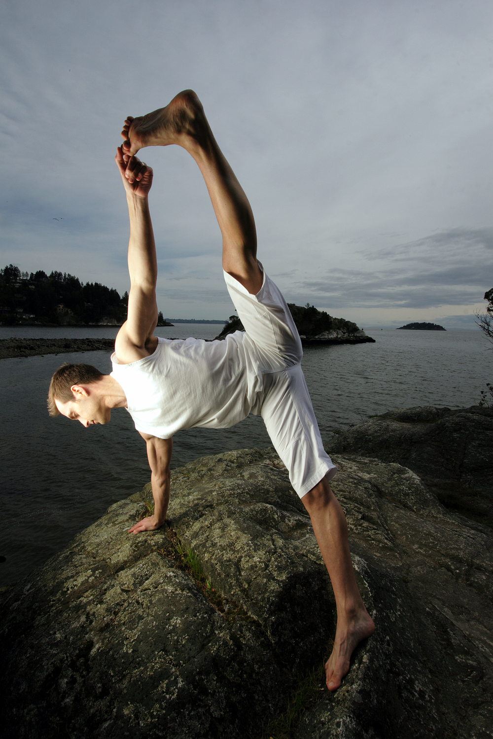 Kreg is a certified Hatha Yoga Teacher, international presenter and kinesiologist (exercise science). All of his classes integrate a purposeful, meditative quality to allow for an experience of connection and reflection while the body explores expansion and renewal.