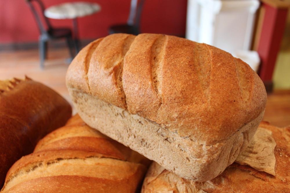 Spelt:100% organic spelt flour, spelt sourdough (water and spelt), water, salt.