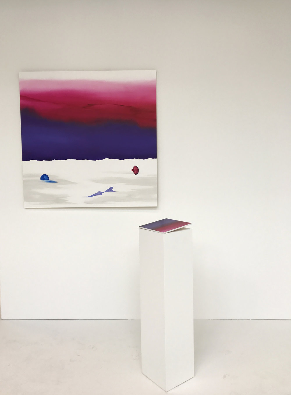Large Adeu & Pink Light (on plinth)