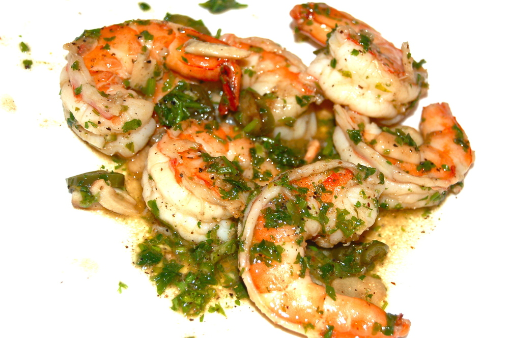 SHRIMP SCAMPI Tossed in a White Wine & Lemon Sauce.