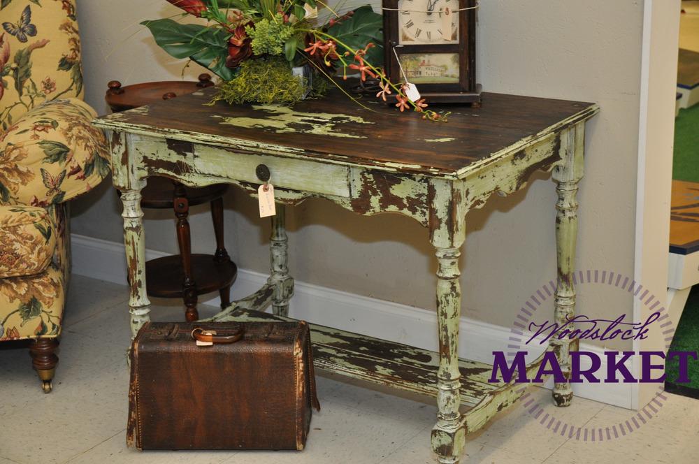 Desk-9.jpg