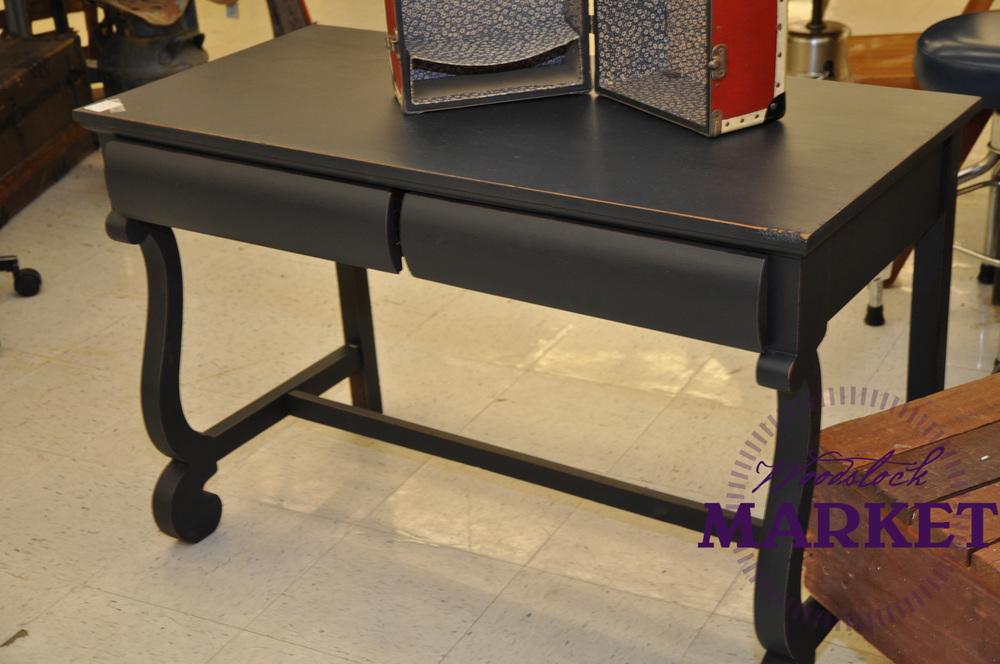 Desk-11.jpg