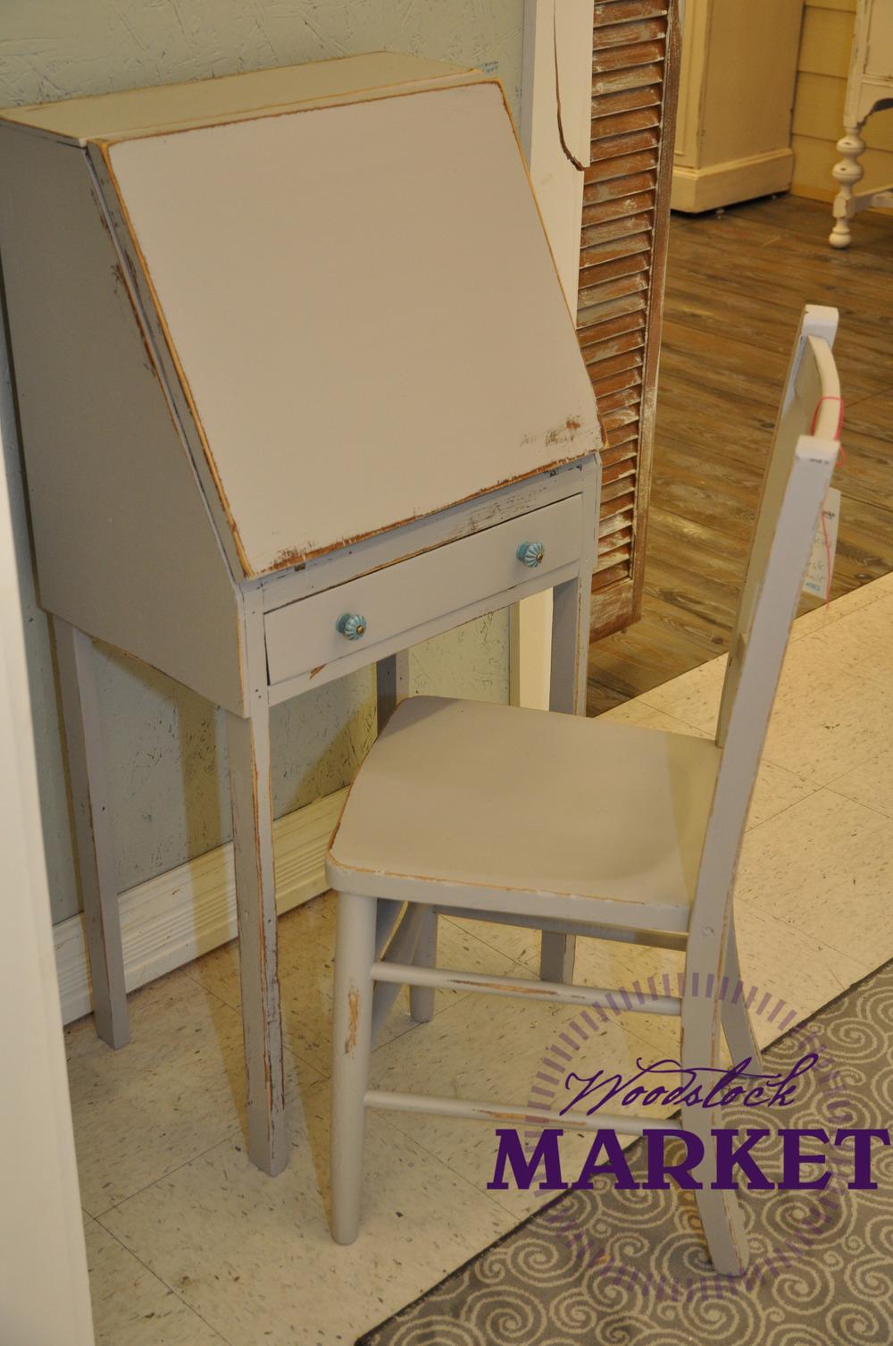 Desk-14.jpg