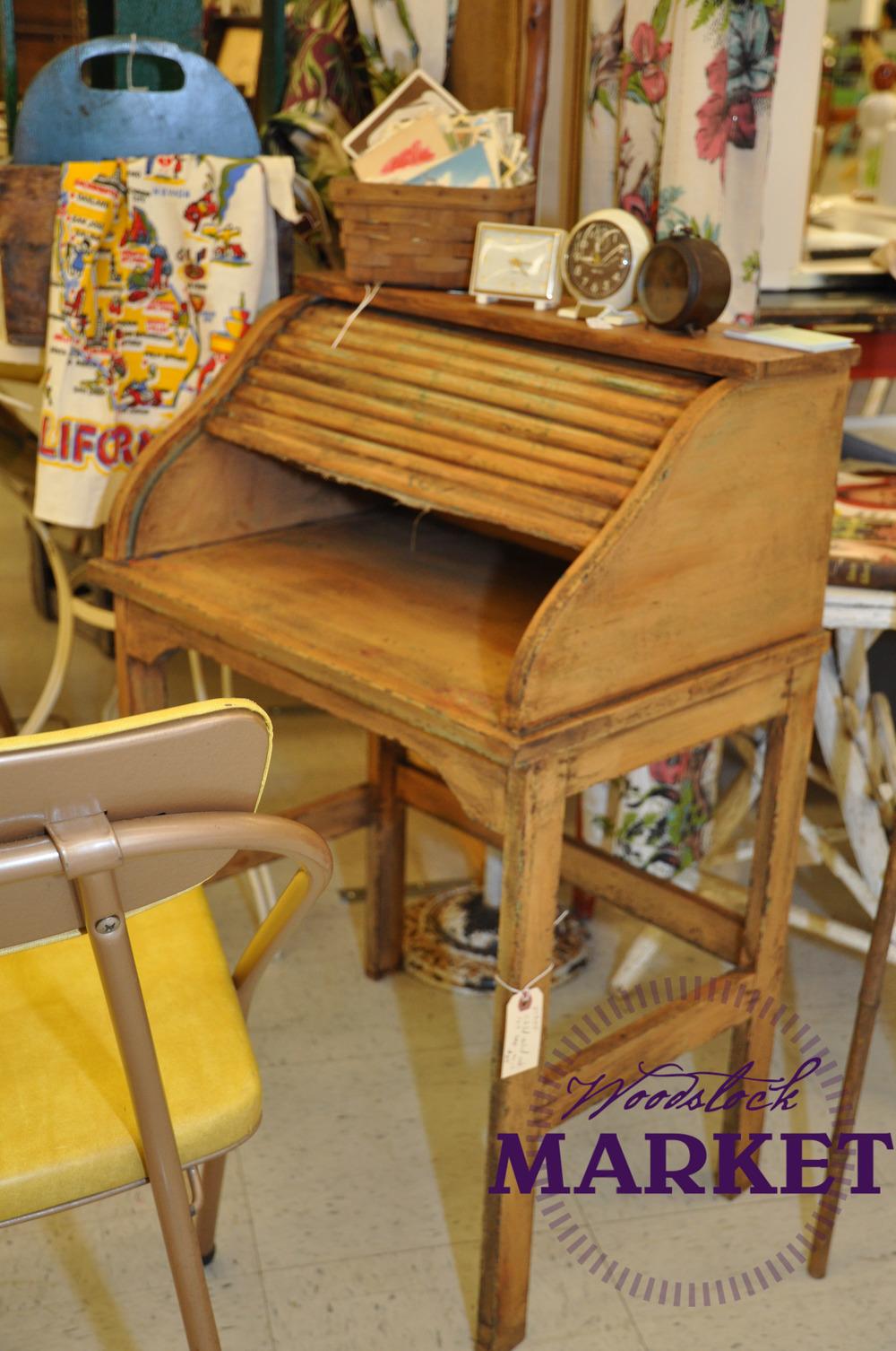 Desk-15.jpg
