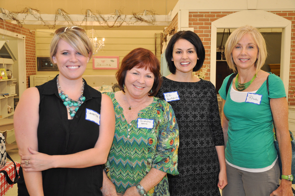 Samantha Patillo, Kim from A Quirky Creative, Niki from Homemadeville, and our friend Rhoda from Southern Hospitality.