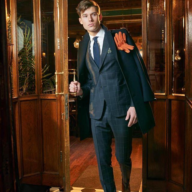 Dress deg opp med Frislid!  Foto📷: Håvard Schei/Bogstadveien Magasinet – moteserie vinter 2017  #Frislid #menswear  #dresser #nordseth @storostorsenter @bogstadveien_no