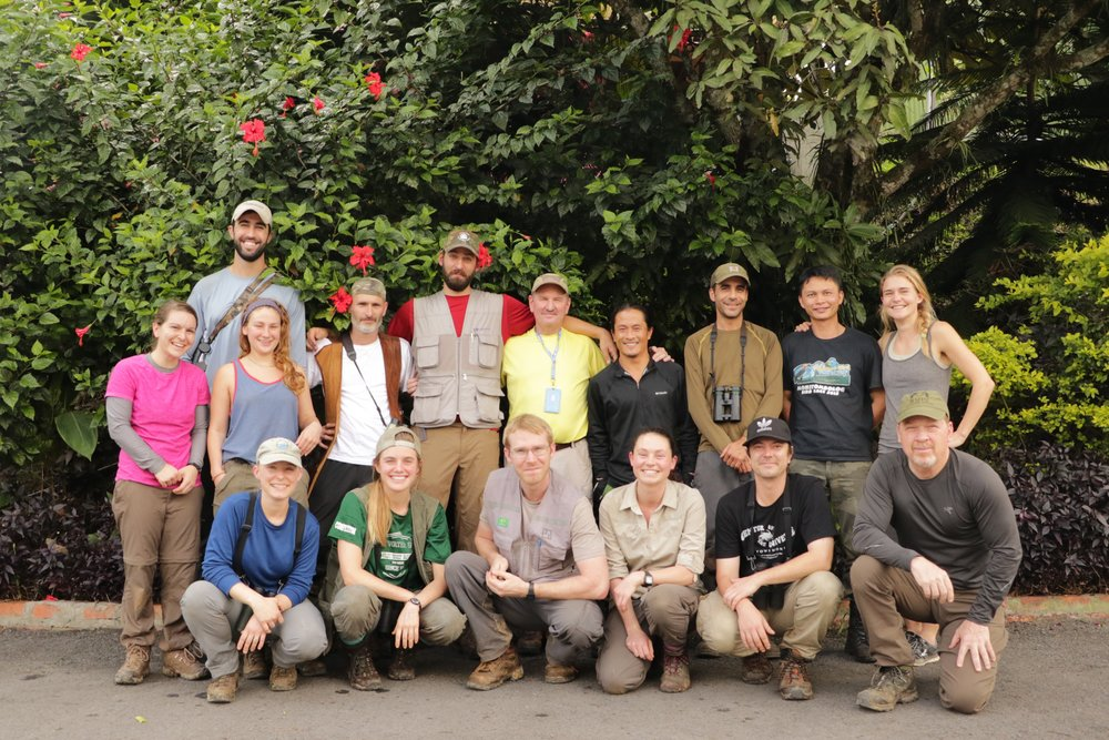 The 2017 field crew of Dr. Thomas Martin (center, yellow shirt)