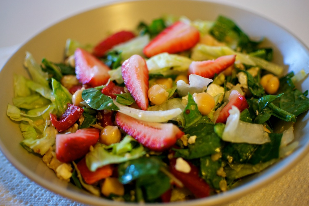 Strawberry & quinoa salad