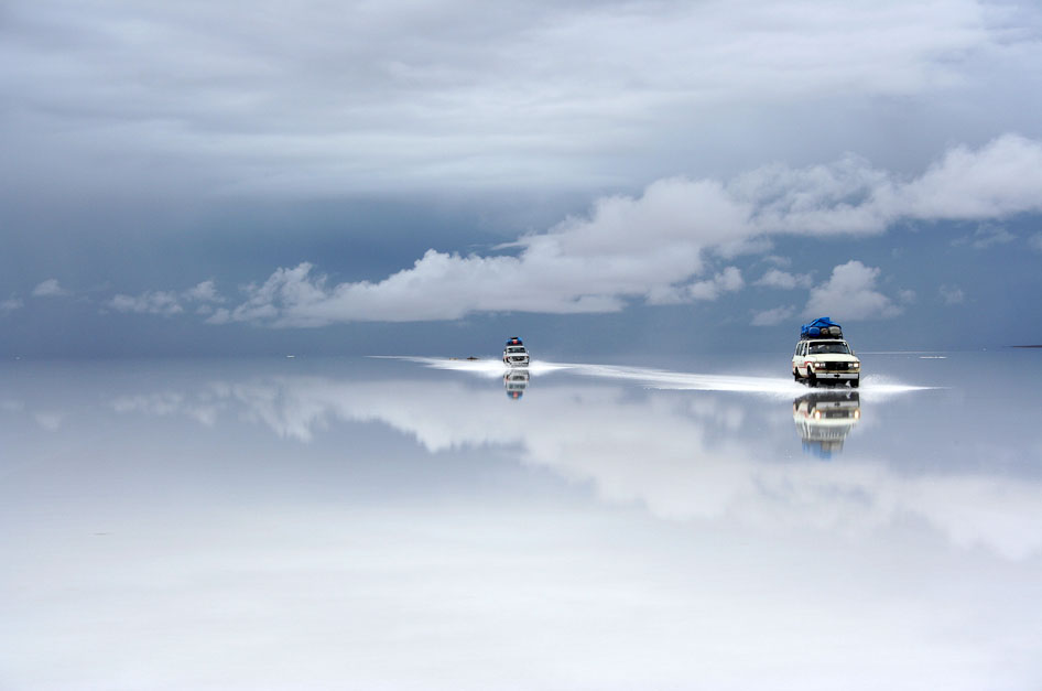 Photo: http://pixgood.com/bolivian-salt-flats.html