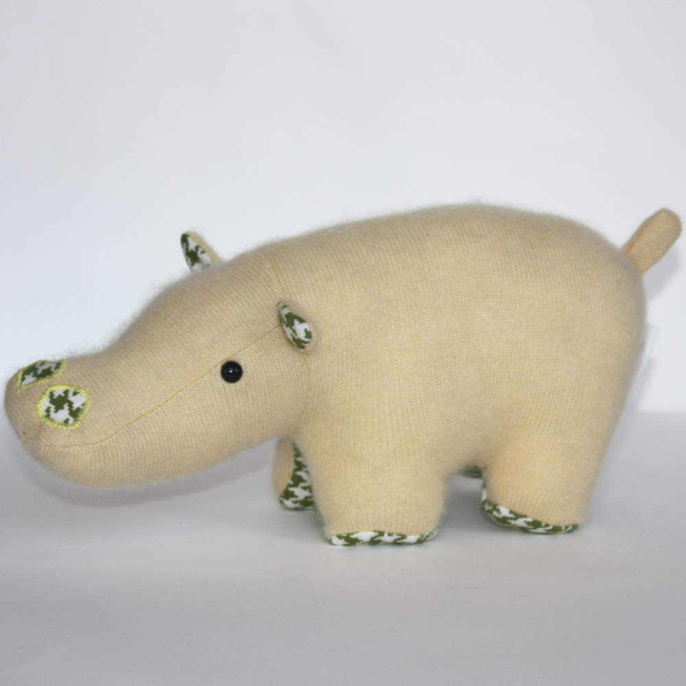 Introducing Millie the cashmere and hounds tooth Hippo. Another one of Caitlin Wickers adorable creatures. I love the way she matches vintage fabrics with their woolen bodies. We decided that Millie is a Hippo who loves going on picnics and has a pension for egg and watercress sandwiches!