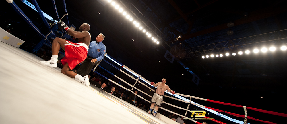 Round Three Productions Present World Championship Boxing at UIC